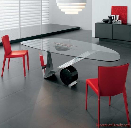 Trendy glazen tafel voor in de woonkamer